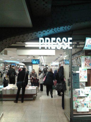 Da! In dem Geschäft am Kölner Hbf kann man die Federwelt kaufen